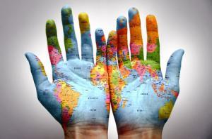 le-monde-dans-les-mains